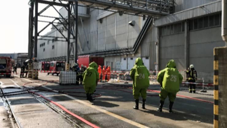 Weil Wasserstoffperoxid auslief, kam es bei der Papierfabrik in Perlen LU zu einem Grosseinsatz.