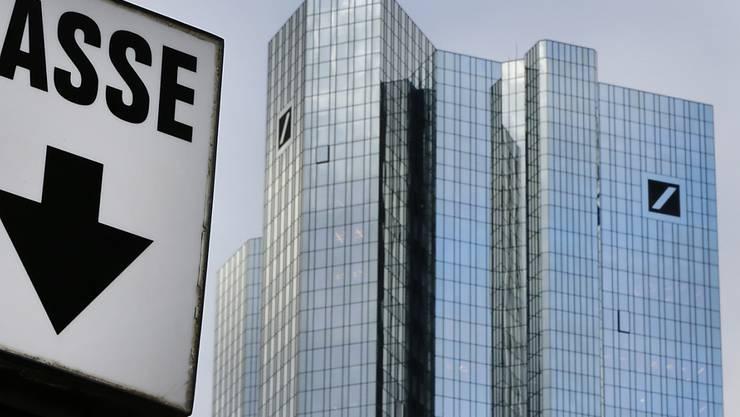 Wird in den USA erneut zur Kasse gebeten: Die Deutsche Bank muss 12,5 Millionen Busse bezahlen. (Archivbild)