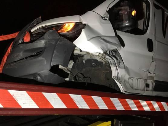 Auf der A1, auf der Höhe des Gemeindegebiet Muhen, verursachte ein Lieferwagenfahrer eine Auffahrkollision.