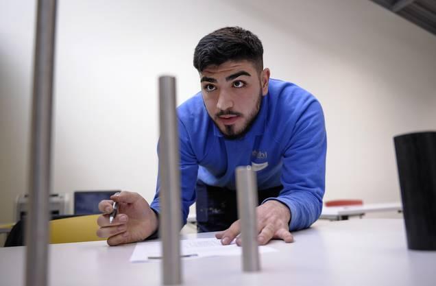 Eren Gancer absolviert eine Lehre als Metallbauer.