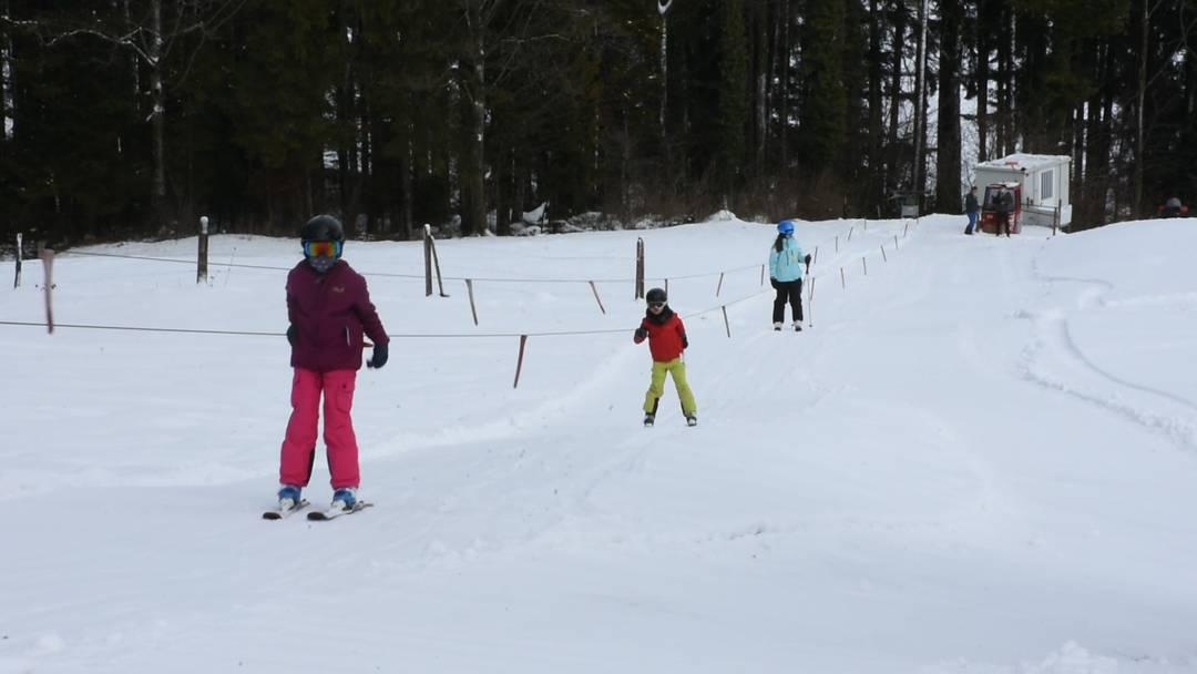 Nach einem Jahr Pause endlich wieder geöffnet: der Skilift Horben in Betrieb am 13. Januar 2021