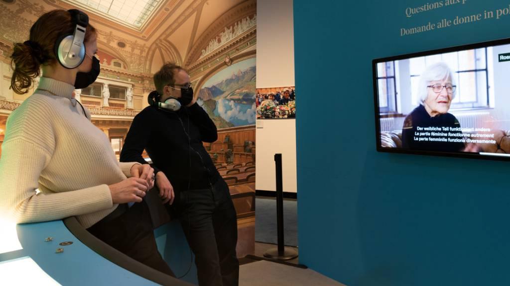 Historisches Museum Bern blick auf 50 Jahre Frauenstimmrecht zurück