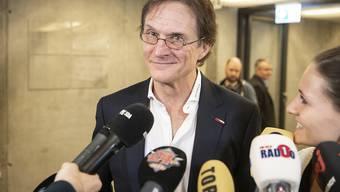 Arno Del Curto wurde in Zürich von einer grossen Medienschar empfangen