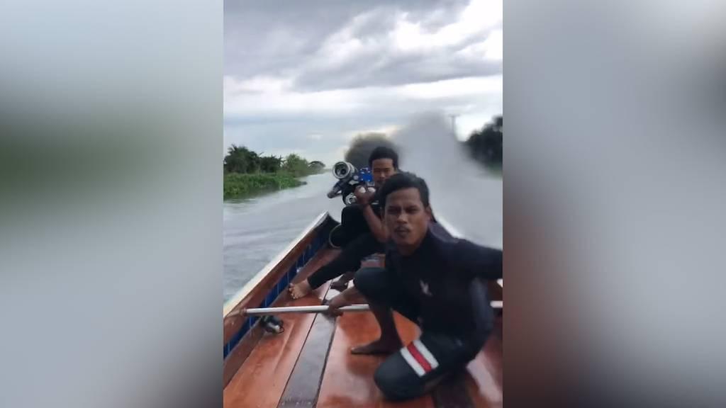 Selbstgebauter Power-Motor:  Boot flitzt in Thailand mit High Speed über das Wasser