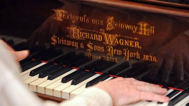 Richard Wagners ehemaliges Piano (Archiv)