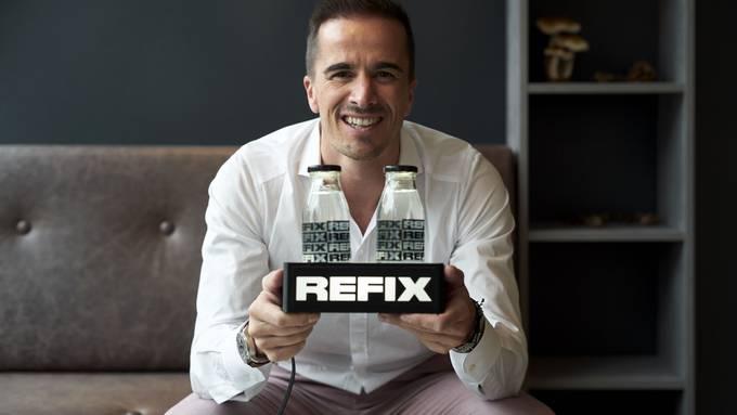 Óscar Gigirey will das Lifestyle-Getränk «Refix» in der Schweiz bekannter machen.