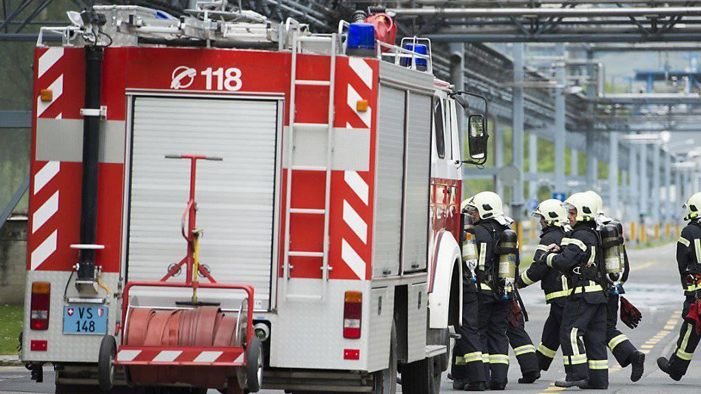 Die Feuerwehr des Chemiewerks - hier bei einer Übung vom 20. Mai 2014 - hatte das Feuer nach einer halben Stunde unter Kontrolle (Archivbild).