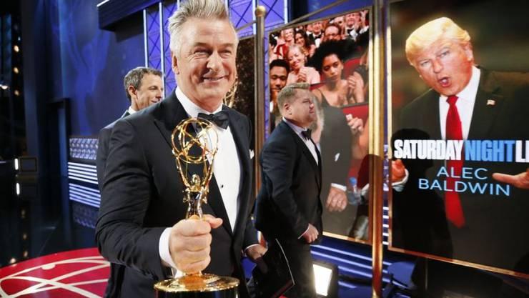 Emmy-Gewinner Alec Baldwin: Vorne in echt, rechts als Donald Trump.