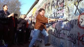 Der Mauerfall von 1989 konnte noch nicht via Push-Nachricht verbreitet werden. (Archivbild)