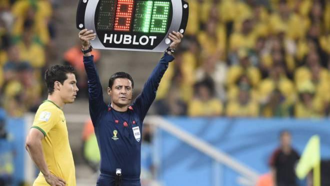 WM-Eröffnungsspiel: Wenn gewechselt wird, dann nur mit der Hublot-Uhr. Foto: Dimitar Dilkoff/AFP
