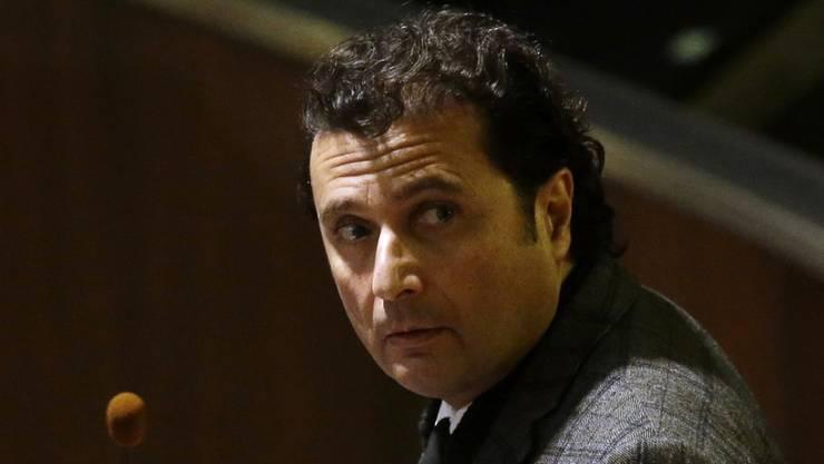 Der Unglückskapitän Francesco Schettino muss sich erneut vor Gericht verantworten. Am 28. April beginnt der Berufungsprozess. (Archivbild)
