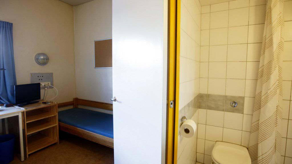 Blick in eine Zelle im Gefängnis von Skien, wo der Massenmörder Anders Behring Breivik in Isolationshaft ist.