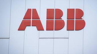 Der Reingewinn des Industriekonzerns ABB ist im vergangenen Jahr um ein Drittel eingebrochen. (Archiv)