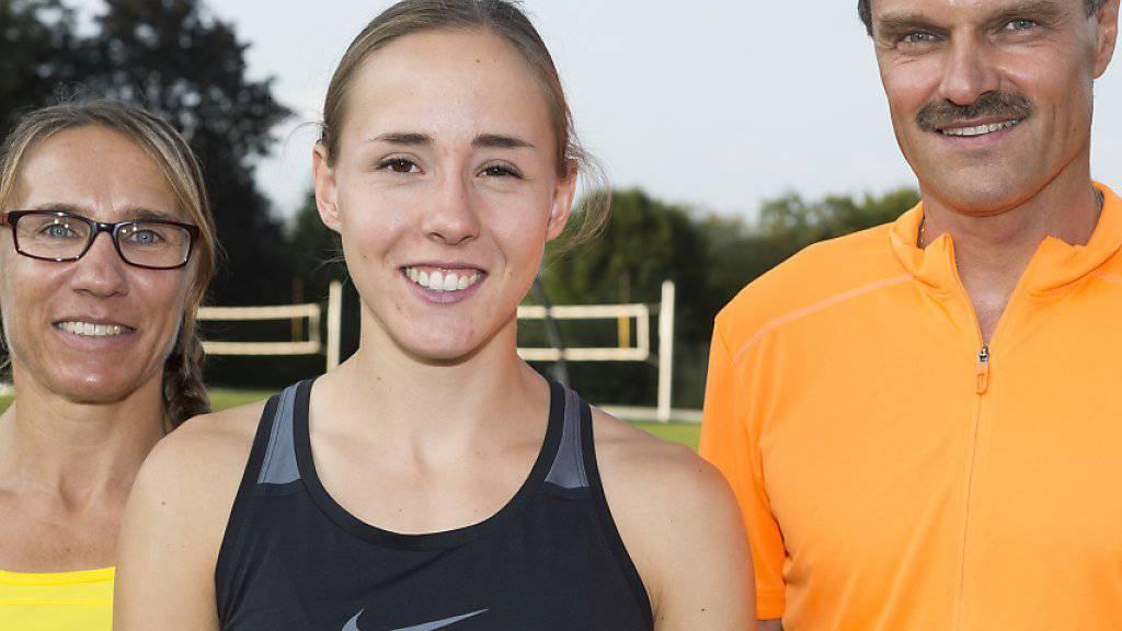 Selina Büchel (Mitte) und ihre Trainer Marlis und Urs Göldi wurden ausgezeichnet