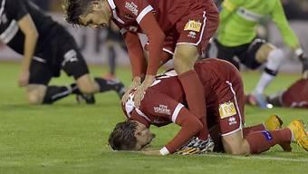Sions Dario Vidosic (o.) und 3:0-Torschütze Vincent Ruefli