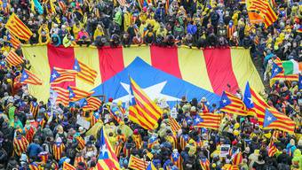 45'000 Unterstützer der katalanischen Unabhängigkeit demonstrieren am Sitz der EU-Institutionen.