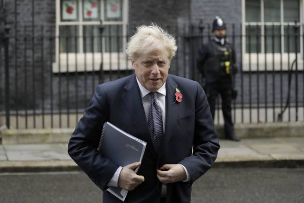 Der britische Premier Boris Johnson vor der Downing Street in London. (Archivbild)