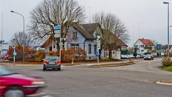 Die «Schoren-Kreuzung» vor dem Umbau. Der Unfall ereignete sich zwischen der Kreuzung und der Abzweigung zum A1 Anschluss Hunzenschwil. (Archivbild)