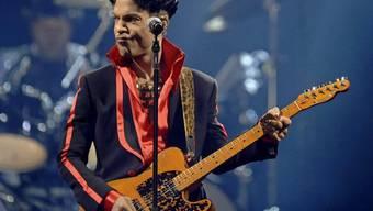 Prince war zu Lebzeiten kein Anhänger der grossen Plattenlabels. Dass jetzt Universal die Rechte an seinem Nachlass erworben hat, hätte er vermutlich nicht gutgeheissen. (Archivbild)