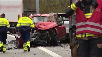 Tödlicher Unfall auf der A3 vor Bözbergtunnel, Effingen AG (27.11.2019)