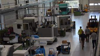 Die Berufsschau findet in der neuen Produktionshalle der Jehle AG statt.