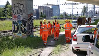 Pendlerchaos nach Brandstiftung: SBB-Mitarbeiter verlegen neue Kabel