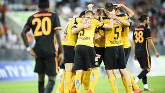 Die Young Boys bejubeln einen Treffer gegen Galatasaray Istanbul am letztjährigen Uhrencup.