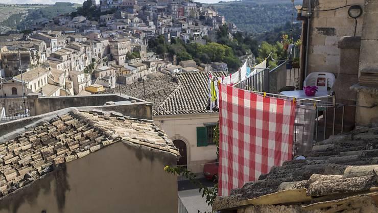 Die historische Stadt Ragusa auf Sizilien gehört zum Unesco-Welterbe. Heute wächst jedoch die Sorge wegen der zunehmenden Armut in Süditalien. Die EU fordert mehr öffentliche Investitionen in der Region. (Archivbild)