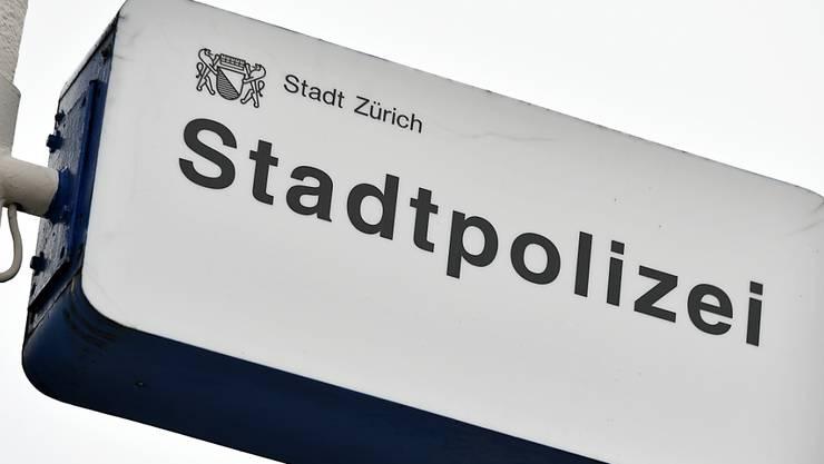 Die Drohungen eines 53-Jährigen führten am Dienstag in Zürich zu einem grösseren Polizeieinsatz.