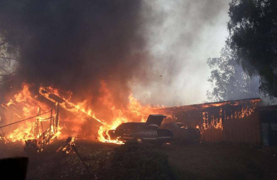 In Los Angeles flüchten zehntausende Menschen vor den Waldbränden
