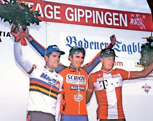 Diese drei Fahrer machen 1996 den  Sieg unter sich aus.Von links: Abraham Olano (2.), Fabrizio Guidi (1.) und Bjarne Riis (3.).