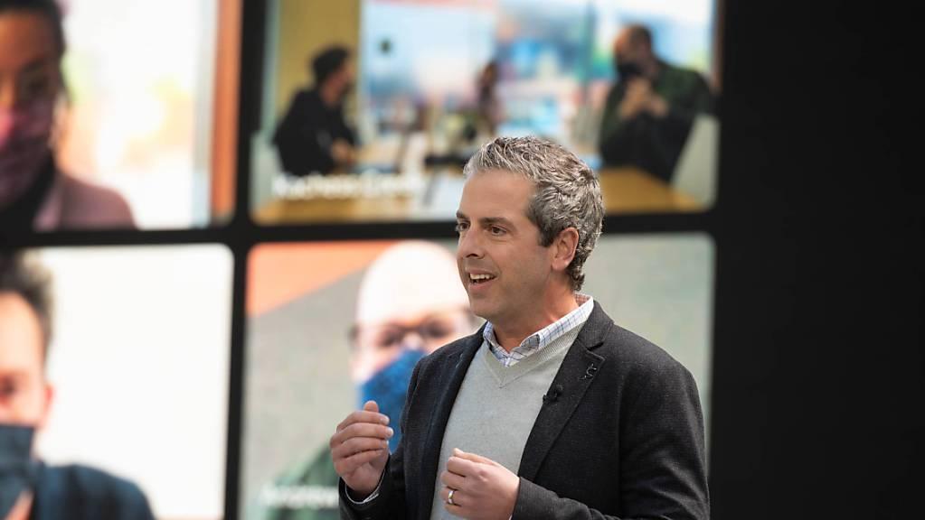 Google-Manager Javier Soltero bei seiner Rede an der Entwickler-Konferenz seines Unternehmens im kalifornischen Mountain View.