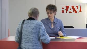 Im Kanton Aargau ist die Arbeitslosenquote erneut gesunken. (Gestellte Szene, Symbolbild)