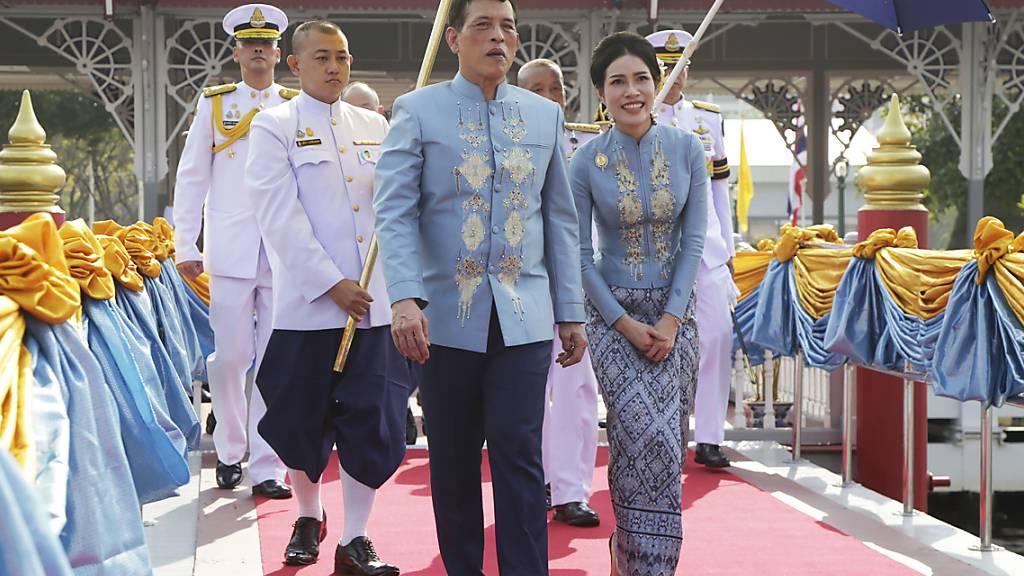 Thailands König feiert Geburtstag seiner Geliebten