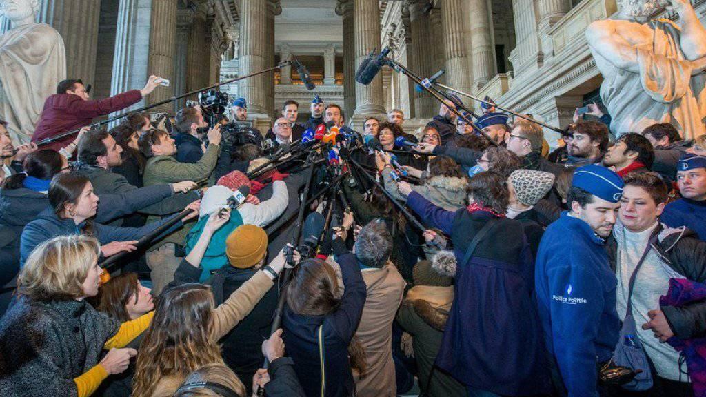 Grosses Medieninteresse am Freitag in Brüssel für die Erklärungen des Anwalts von Puigdemont.