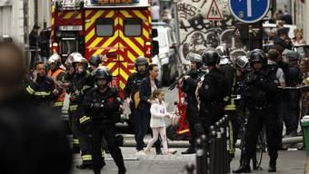 Das betroffene Quartier in Paris wird evakuiert. e