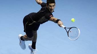 Novak Djokovic gewinnt seinen Halbfinal beim Masters mit 2:1-Sätzen