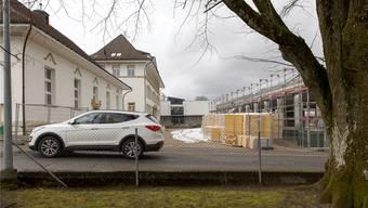 Tempo 20: Im Bereich des Schulhauses soll eine beruhigte Zone mit Fussgängervortritt entstehen.