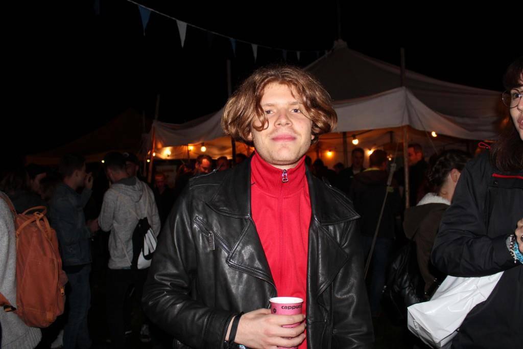 Nach seinem Auftritt am Freitagabend mischte sich der Rheintaler Musiker Crimer am Samstag unter das Festivalvolk.