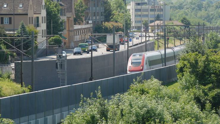 Günstigerer Lärmschutz: Der Bau der Wände im Kappelerhof (im Bild im Roggebode) kostet statt geplanten 2,16 nun einiges unter 2 Millionen Franken. (Walter Schwager)