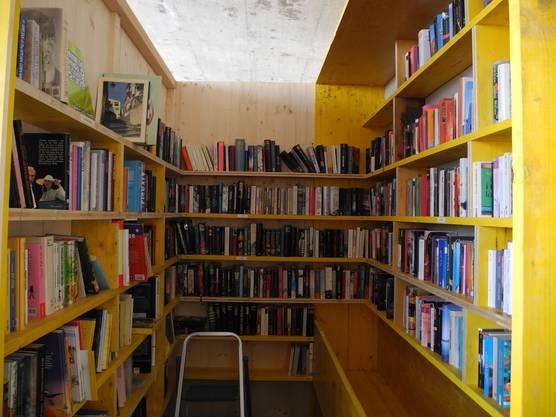 Hier haben rund 600 Bücher Platz