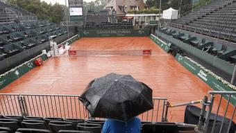 Der Regen verhindert in Genf vorerst den Auftritt von Stan Wawrinka