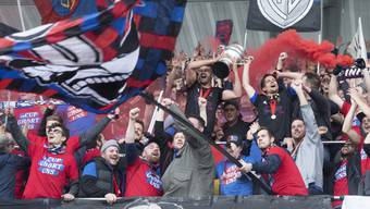Die FCB-Fans können vorerst nicht mit ihren Stars im Stadion jubeln.