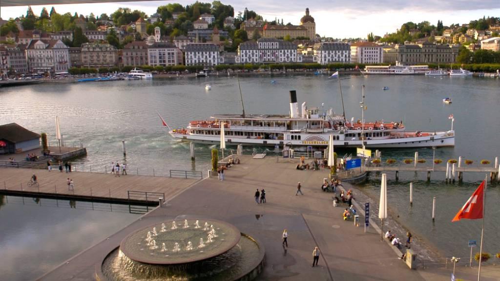 22-Jähriger vor KKL in Luzern niedergestochen