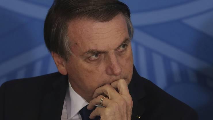 Brasiliens Staatschef Jair Bolsonaro sorgte in der Vergangenheit mehrfach für Aufsehen mit homophoben Aussagen. (Archivbild)