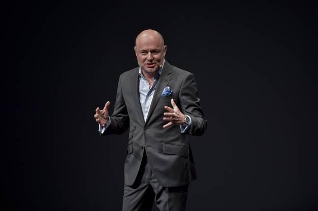 1965 in Düsseldorf geboren, studierte Georges Kern Politologie in Strassburg und Betriebswirtschaftslehre in St. Gallen. Im Jahr 2000 kam er in die Luxusuhrenindustrie. Nach nur zwei Jahren wurde er CEO von IWC und damit der jüngste Boss im Imperium der Richemont Group. Unter ihm wurde Richemont CO2-neutral, ein Ziel, das er nun in aller Konsequenz auch mit Breitling verfolgt.