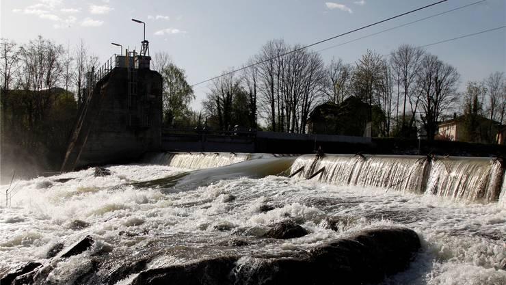 Ab hier, unterhalb des Stauwehrs in Biberist bis zur Einmündung der Emme in die Aare beim Emmespitz, wird der Hochwasserschutz verbessert werden.