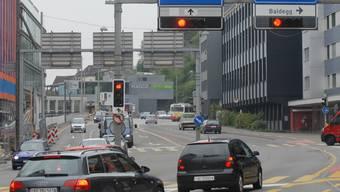 Oft und zu schnell überfahren: Das Rotlicht an der Gstühl-Kreuzung.