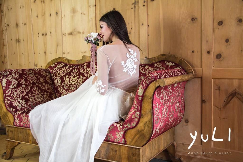 Dort entwirft und näht sie Hochzeits- und Festkleider. (© zVg)