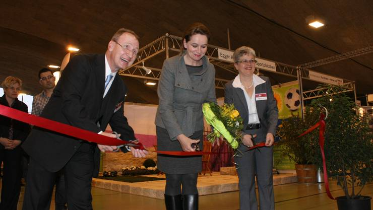 Christiane Ern, Chefin Hochbau/Energie Stadt Solothurn, flankiert von Benno und Monika Krämer.  ak Christiane Ern, Chefin Hochbau/Energie Stadt Solothurn, flankiert von Benno und Monika Krämer.  ak